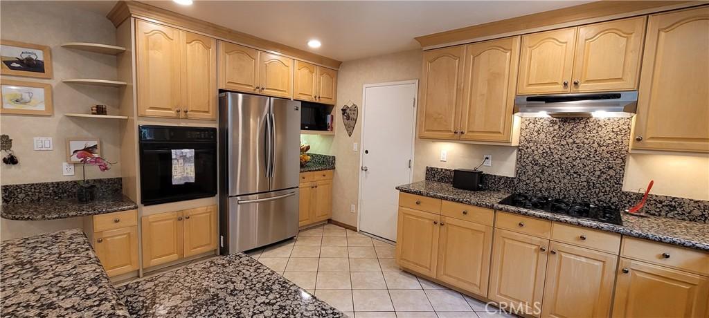 22610     Vose Street, West Hills CA 91307