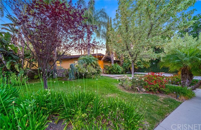 59. 5511 Fenwood Avenue Woodland Hills, CA 91367