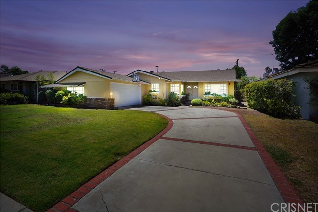 15844 Gresham Street, North Hills, CA 91343