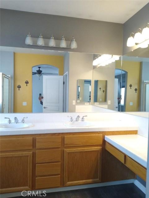 30394 Cedar Oak Ln, Castaic, CA 91384 Photo 5