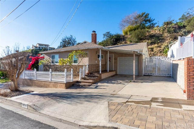 8451 Outland View Drive, Sun Valley, CA 91352