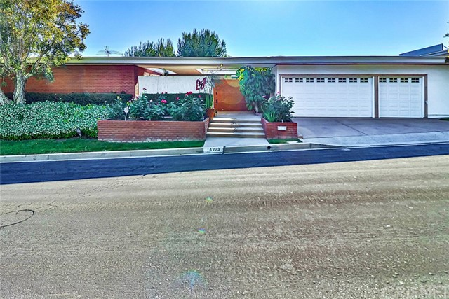 Photo of 4273 Clear Valley Drive, Encino, CA 91436