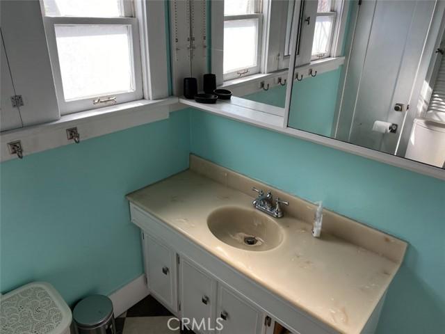 1728 Bathroom