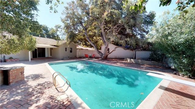 24755 Golden Oak Lane, Newhall, CA 91321