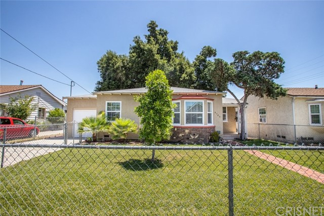 6706 Hinds Avenue, North Hollywood, CA 91606