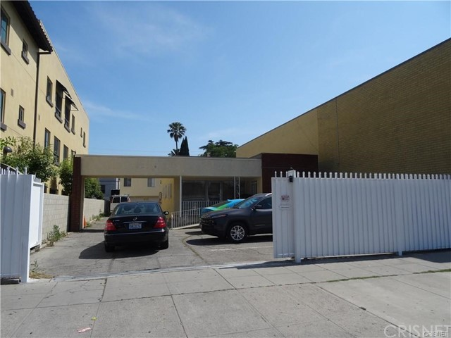 14412 Hamlin Street, Van Nuys, CA 91401