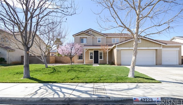 42229 42nd Street W, Quartz Hill, CA 93536