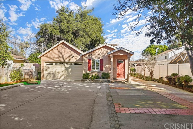 Photo of 6718 Andasol Avenue, Lake Balboa, CA 91406