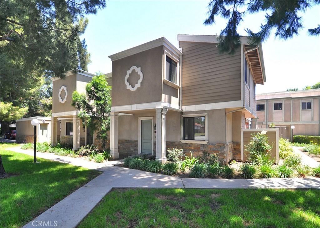 Photo of 10780 WOODLEY AVENUE #5, Granada Hills, CA 91344