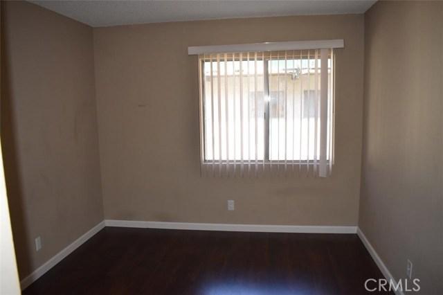 5460 White Oak Ave #14