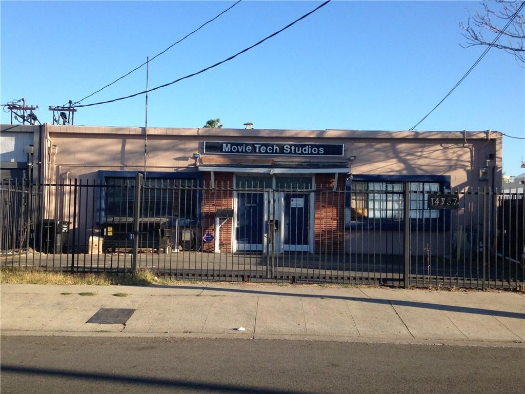 14737 Arminta Street, Panorama City, CA 91402