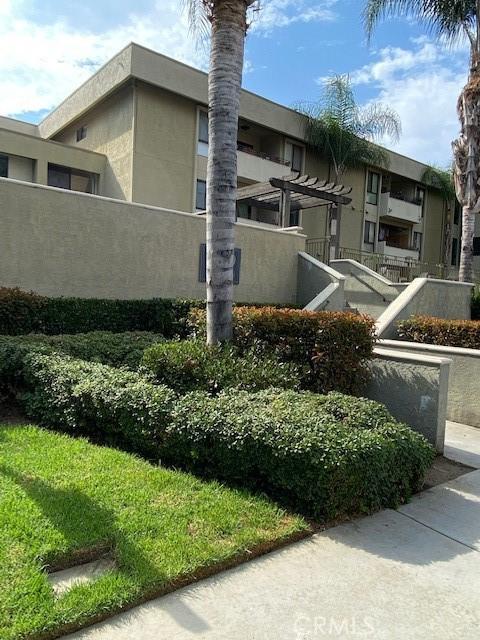 5009 Woodman Avenue 308, Sherman Oaks, CA 91423