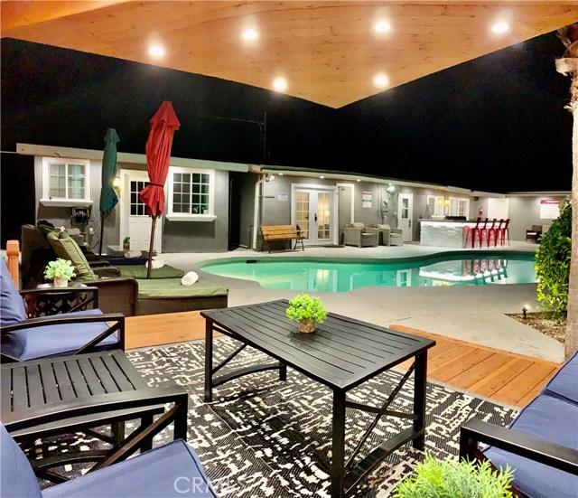 Photo of 22937 Wyandotte Street, West Hills, CA 91307