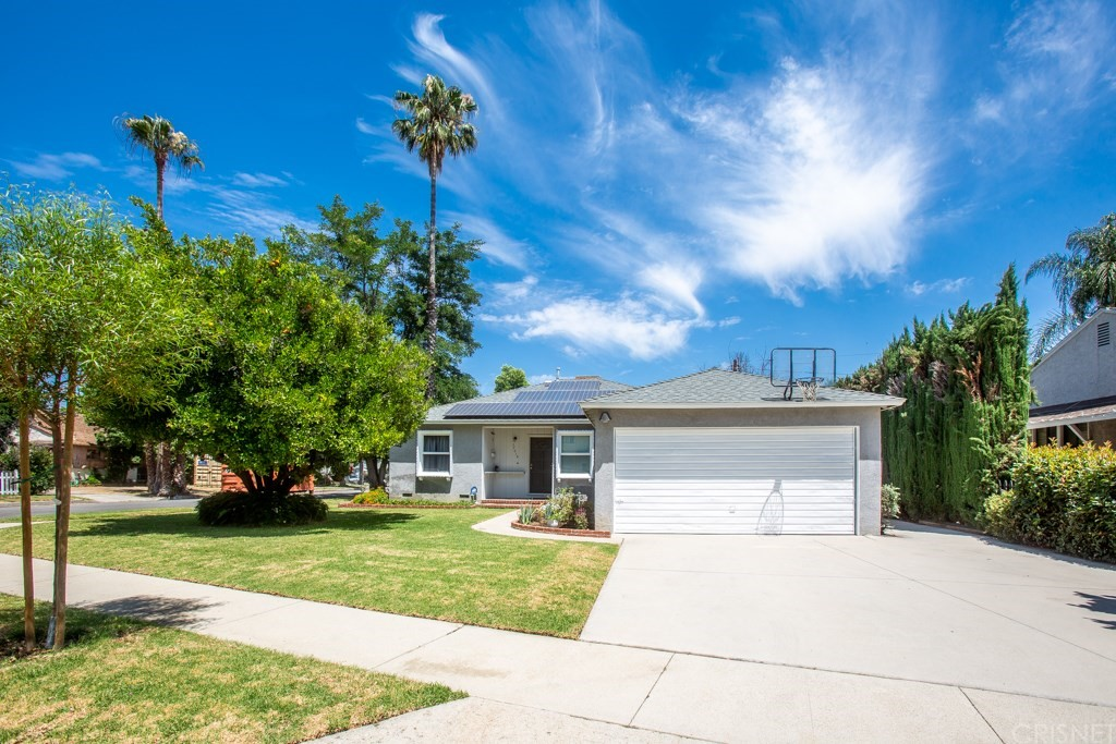 Photo of 17015 CANTARA STREET, Lake Balboa, CA 91406