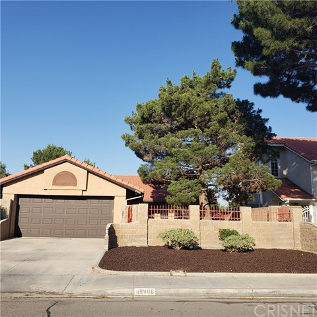 45406 Thornwood Avenue, Lancaster, CA 93534