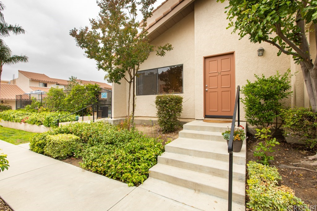 Photo of 10444 CANOGA AVENUE #34, Chatsworth, CA 91311