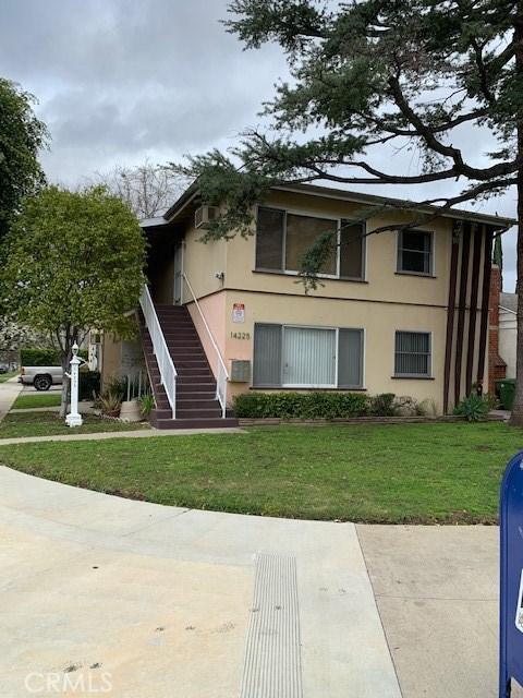 14225 Riverside Drive, Sherman Oaks, CA 91423