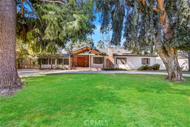 6945 Amestoy Avenue, Lake Balboa, CA 91406