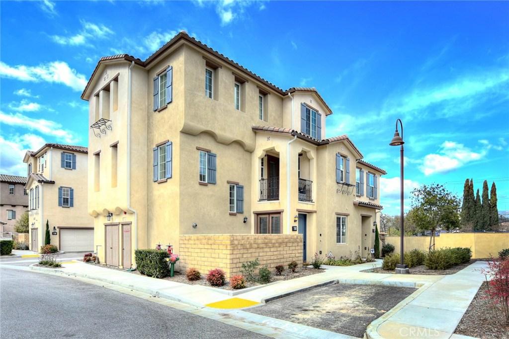 Photo of 443 STRATUS LANE #4, Simi Valley, CA 93065