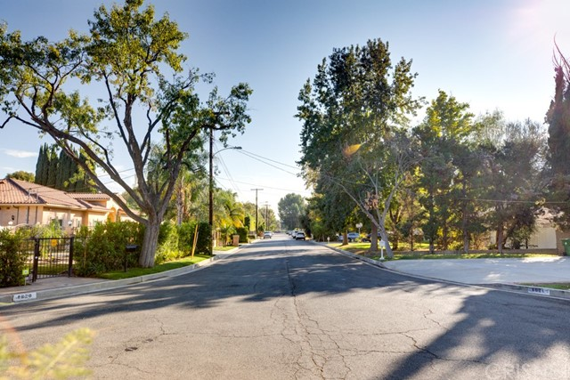 17060 Parthenia St, Sherwood Forest, CA 91325 Photo 6