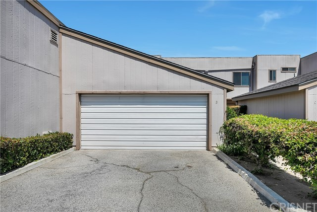 15100 Chatsworth St, Mission Hills (San Fernando), CA 91345 Photo 2