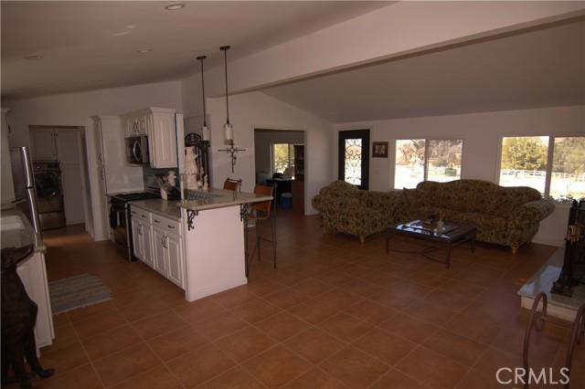31734 Indian Oak Rd, Acton, CA 93510 Photo 4