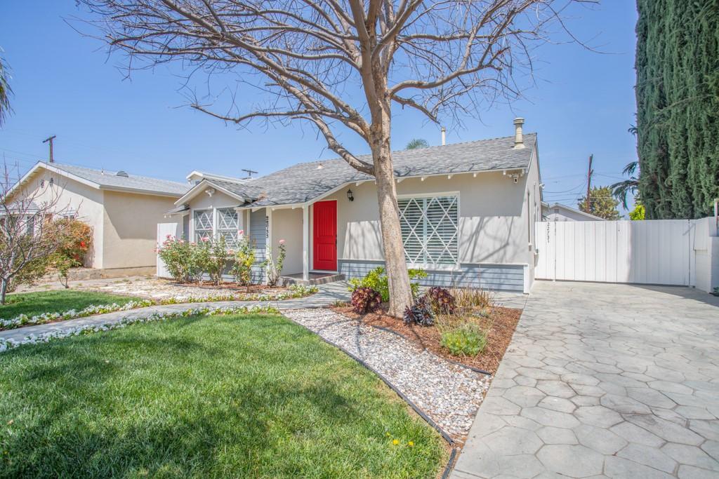 22733 Berdon St, Woodland Hills, CA 91367