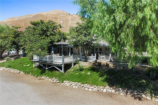 18171 Lost Creek Road, Saugus, CA 91390