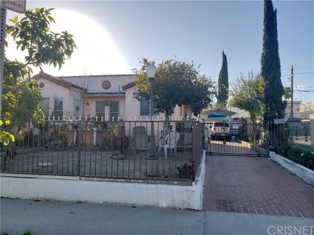 6619 Beck Avenue, North Hollywood, CA 91606
