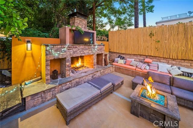 60. 5511 Fenwood Avenue Woodland Hills, CA 91367
