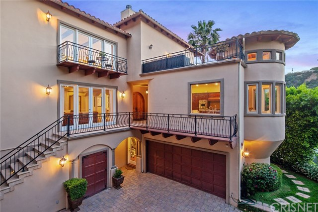15000 Sunstone Place, Sherman Oaks, CA 91403