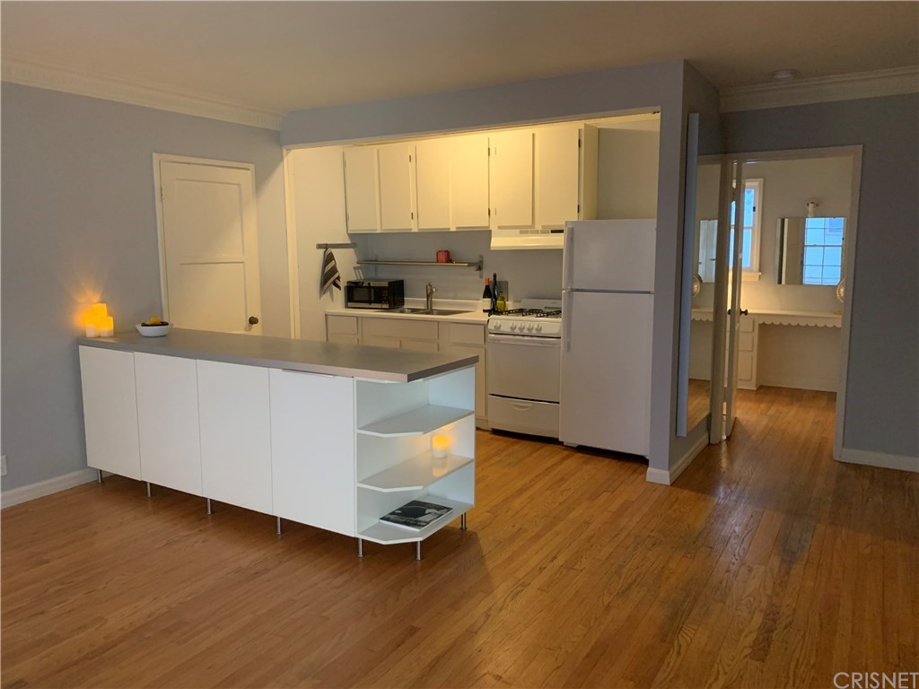 Photo of 1132 LARRABEE Street #1, West Hollywood, CA 90069