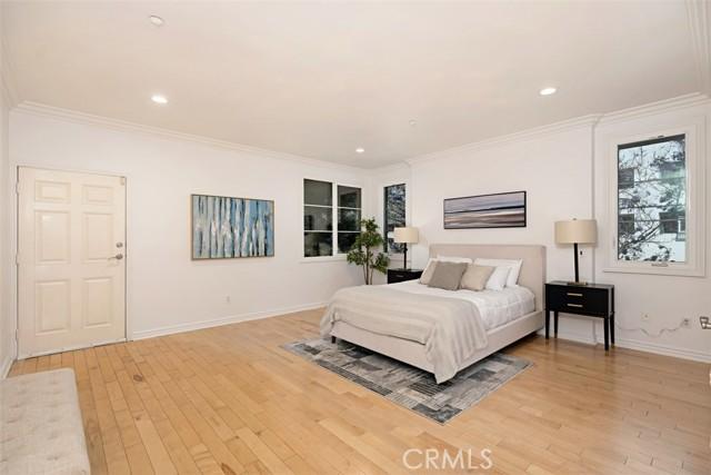 14. 1601 S Bentley Avenue #201 Los Angeles, CA 90025