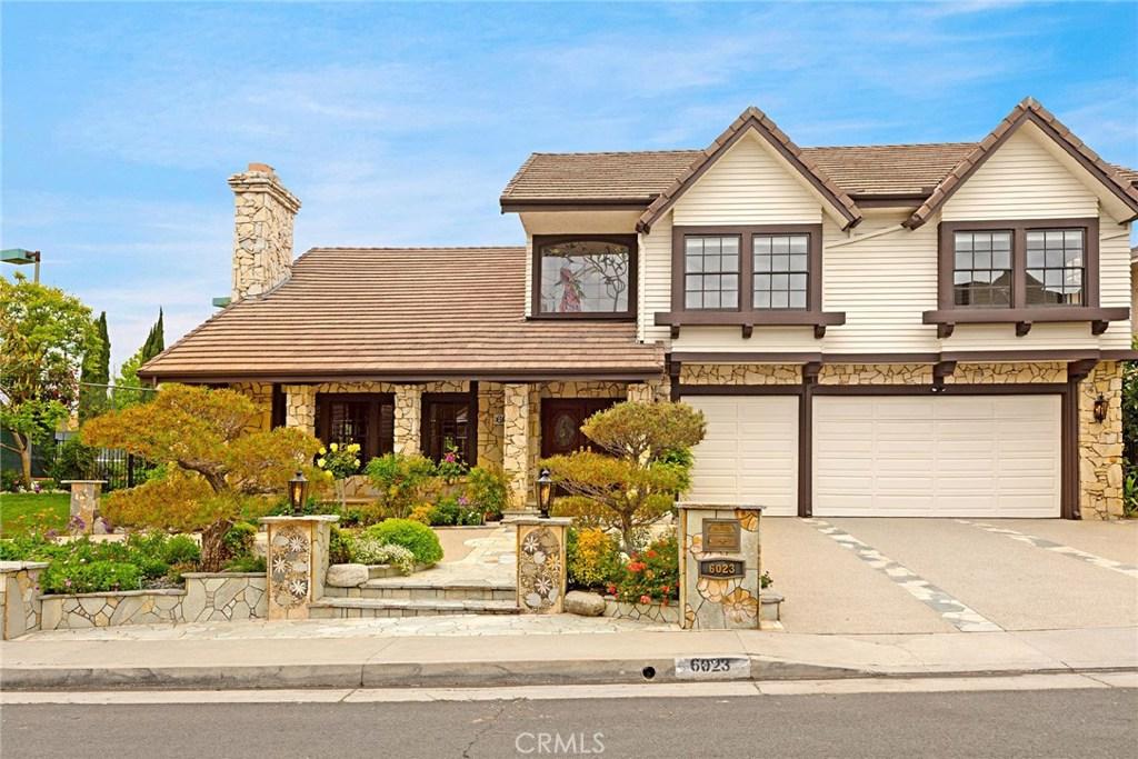 Photo of 6023 WOODLAND VIEW Drive, Woodland Hills, CA 91367