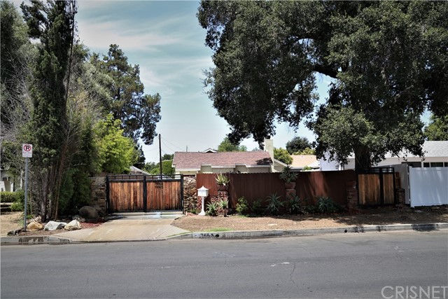 7443 N Jordan Avenue, Canoga Park, CA 91303