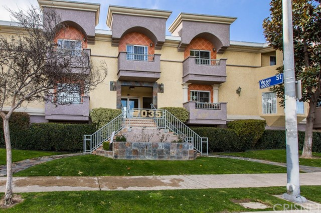 7035 Woodley Avenue 219, Lake Balboa, CA 91406
