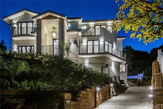 Photo of 16742 Pageant Place, Encino, CA 91436