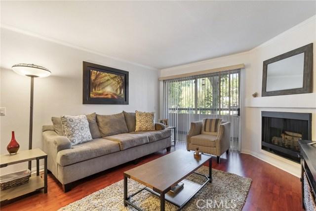 5500 Owensmouth Avenue 129, Woodland Hills, CA 91367