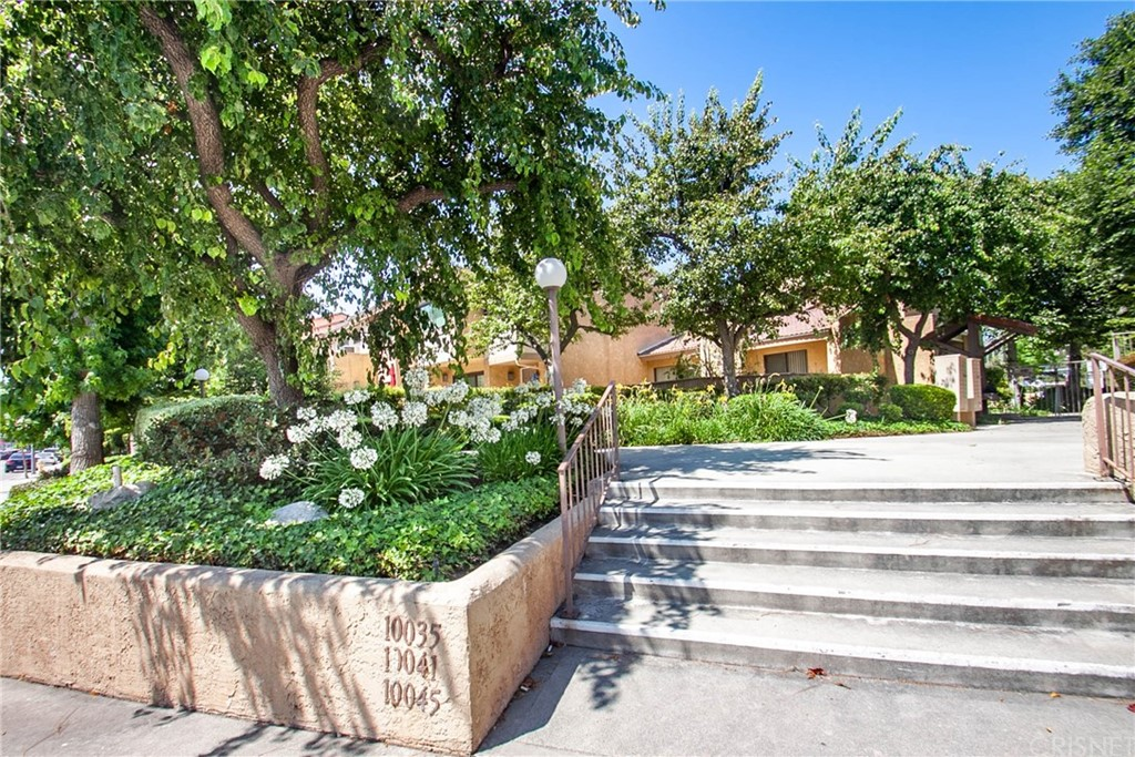 Photo of 10041 TOPANGA CANYON BOULEVARD #20, Chatsworth, CA 91311