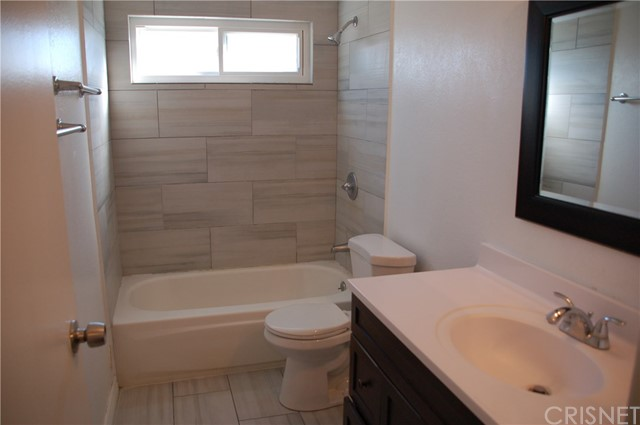 Image 10 of 17812 Silverstream Dr, Canyon Country, CA 91387
