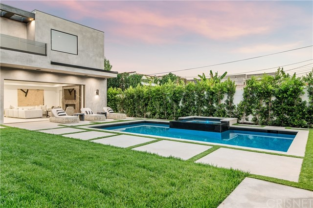 537 Alta Vista Boulevard, West Hollywood, California 90036, 5 Bedrooms Bedrooms, ,6 BathroomsBathrooms,Single Family Residence,For Sale,Alta Vista,SR21011172