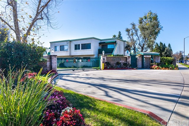 18504 Mayall Street A, Northridge, CA 91324