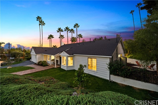 23348 Balmoral Lane, West Hills, CA 91307