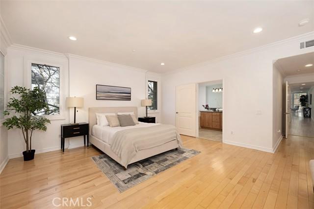 15. 1601 S Bentley Avenue #201 Los Angeles, CA 90025