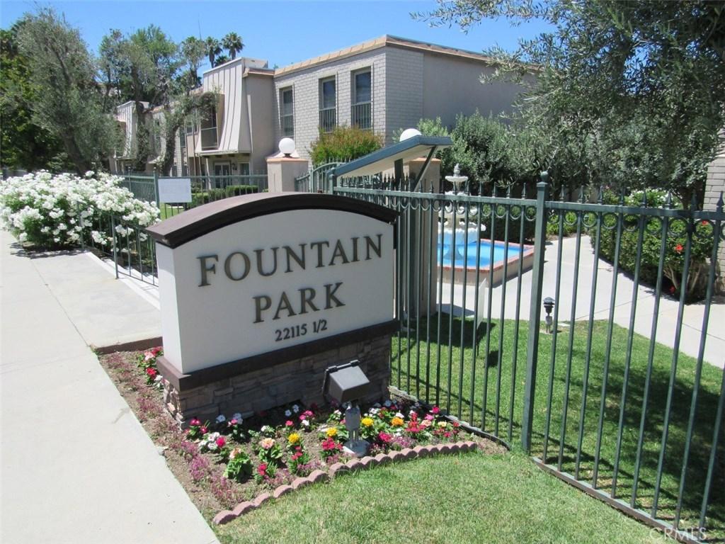Photo of 6031 FOUNTAIN PARK LANE #6, Woodland Hills, CA 91367