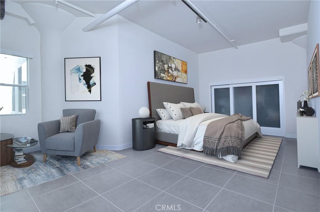 Master bedroom (virtual staging)
