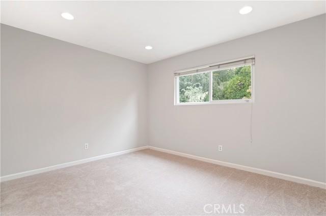 22. 1097 Finrod Court Westlake Village, CA 91361