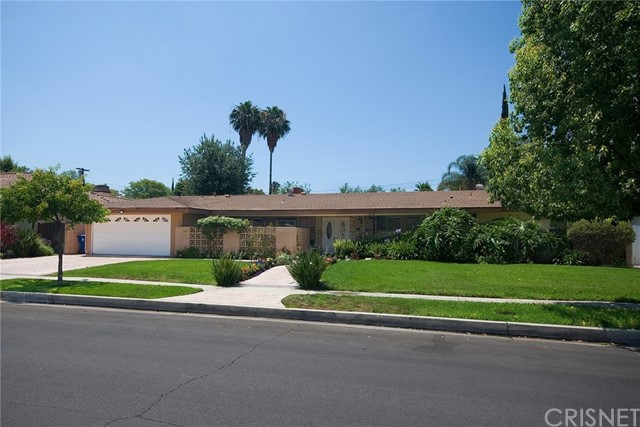 23520 Berdon Street, Woodland Hills, CA 91367