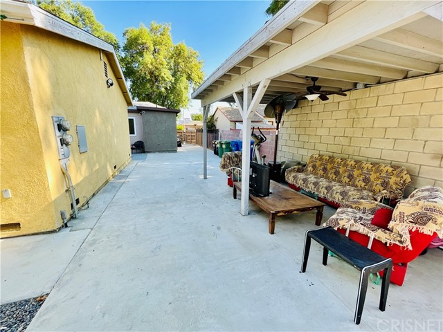 11. 14239 Lorne Street Panorama City, CA 91402