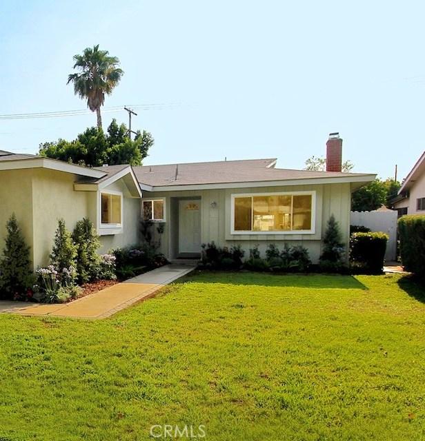 7033 Jellico Avenue, Lake Balboa, CA 91406